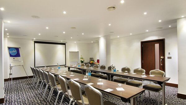 Park Grand London Heathrow Meeting room